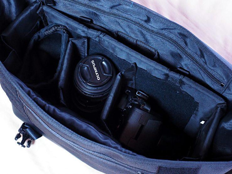 PORTER HEAT メッセンジャーバッグにデジカメ類を収納